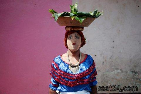 مردی با نقابی خاص در جشنی مذهبی درنیکاراگوئه