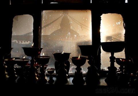 نمایی از گنبد معبد بودانتا در کاتماندو نپال پس از بازسازی در پی زلزله در این کشور