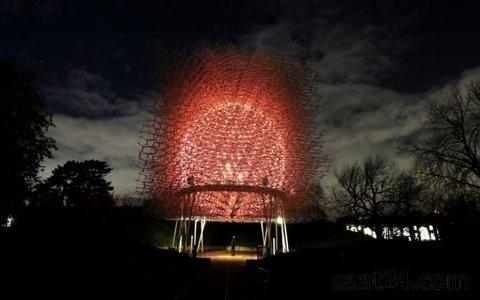 یک سلول نمادین ایدز در لندن  که قرار است در جریان کریسمس نابود شود