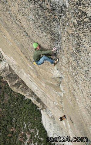 یک کوهنورد چک در سخره ال کاپیتان در پارک ملی یوسمیتی