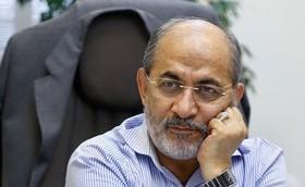 عباس عبدی خطاب به رفیقدوست:چرا حرفهای سفیرانگلیس در باره احمدی نژاد را همان 15سال پیش به مقامات امنیتی نگفتید؟