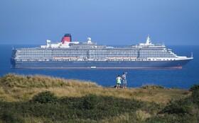 کشتی مسافری ملکه ویکتوریا در ساحل انگلیس