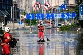 نیروهای امدادی در مناطق سیل زده در چین