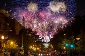 آتش بازی در پایان کنگره حزب جمهوری خواه در واشنگتن آمریکا