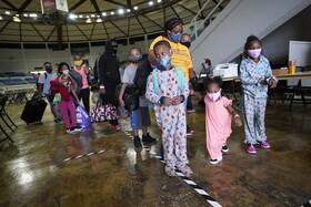 خانواده های بیخانمان شده در لوییزیانای آمریکا در اثر توفان لورا