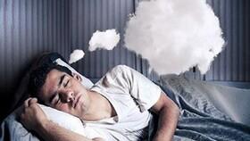 چرا خوابهای عجیب و غریب میبینیم و چطور کنترل شان کنیم؟