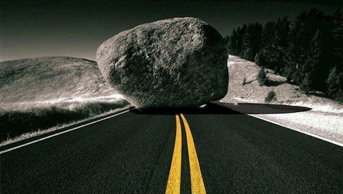 سنگ بزرگ وسط جاده صلح هسته ای