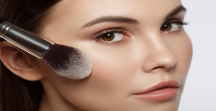 آسیب های پوستی ناشی از آرایش و نکاتی برای جلوگیری از آنها
